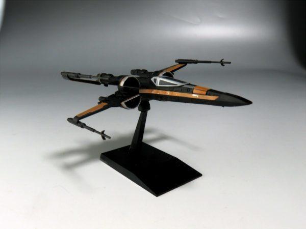 ビークルモデル Xウイング・ファイター ポー専用機