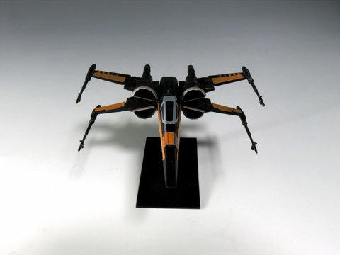 ビークルモデル Xウイング・ファイター ポー専用機サムネイル