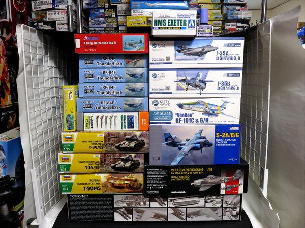 【入荷案内】キティホーク 1/48 RF-101C&G/H ヴードゥー 偵察機 他サムネイル