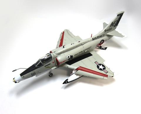 1/48 A-4M スカイホークサムネイル