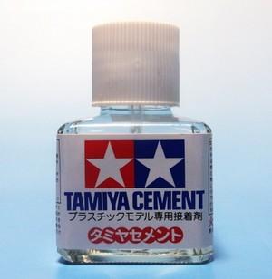 タミヤセメント(角)